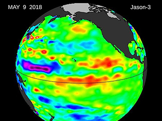 Warm water creeps into otherwise-calm Central Pacific