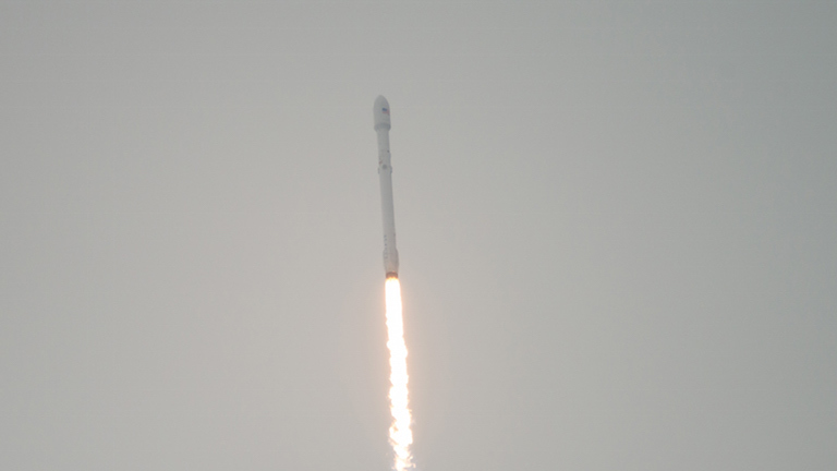 A SpaceX Falcon 9 rocket carrying the U.S.-European Jason-3 satellite launches from Vandenberg Air Force Base Space Launch Complex 4 East on Sunday, Jan. 17, 2016. Jason-3, an international mission with NASA participation, will continue a 23-year record of monitoring global sea level rise. Photo Credit: (NASA/Bill Ingalls)